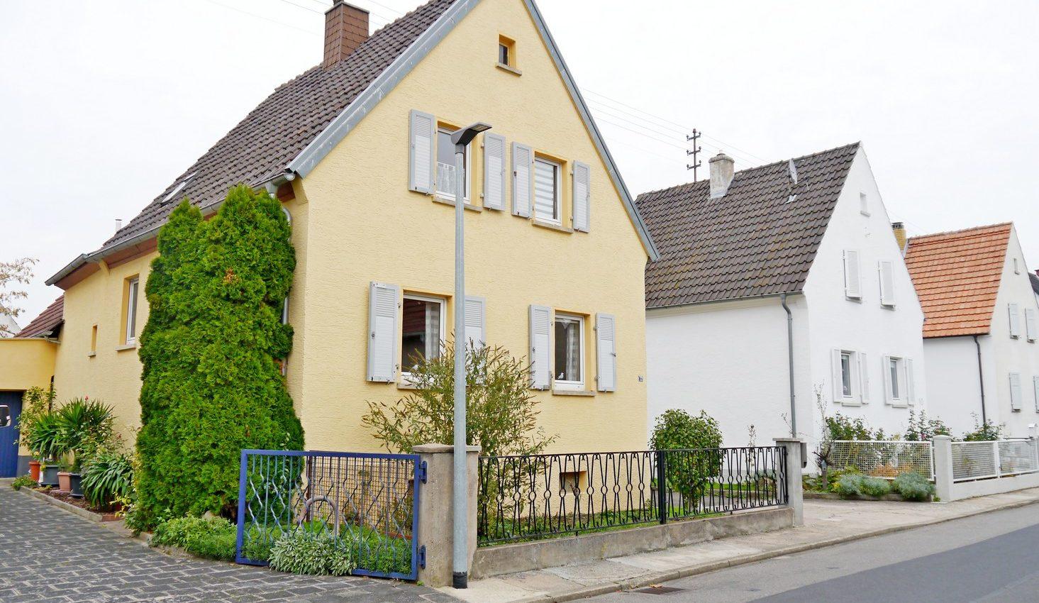 Reserviert! Freistehendes Einfamilienhaus mit Garten in Niederkirchen