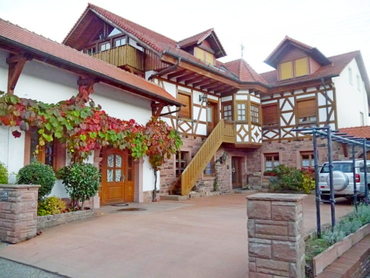 3 ZKB Maisonette- Wohnung mit 2 Balkonen in St. Martin (Pfalz)